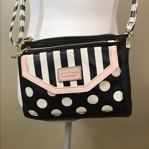 Betsey Johnson cross body purse